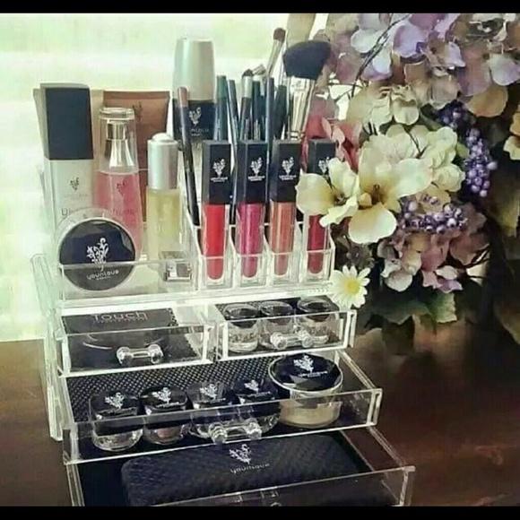 in Cosmetics natural Younique  Younique Accessories cosmetics usa   brands