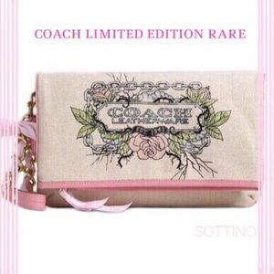 ! 🎀🌹🎀🌹LIMITED EDITION RARE COACH-CLUTCH FIRM!