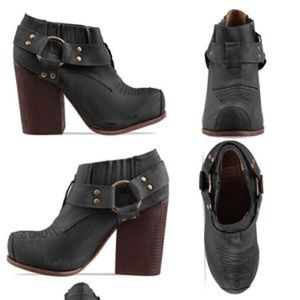 Jeffrey Campbell x solestruck Drew LTD booties