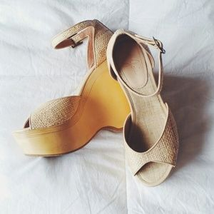 Joie Wedges