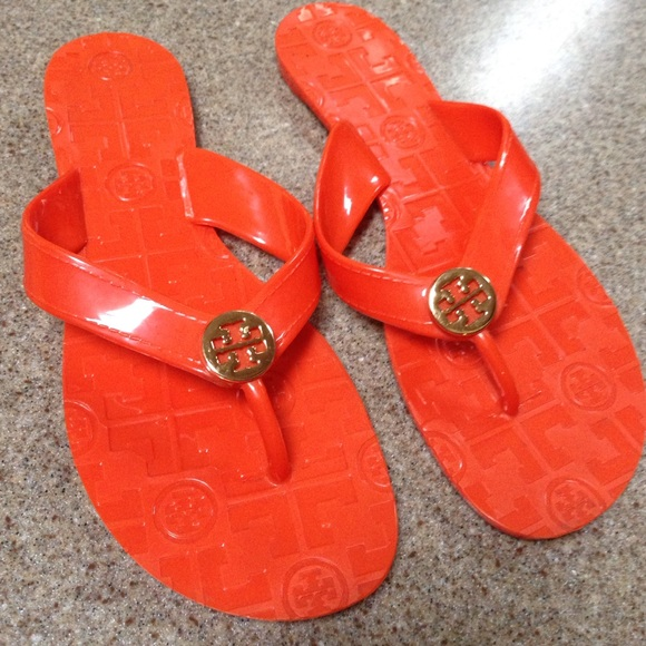0aac915807a55d Tory Burch orange Jelly flip flops  Authentic . M 5503071b7e7ef617080009bb