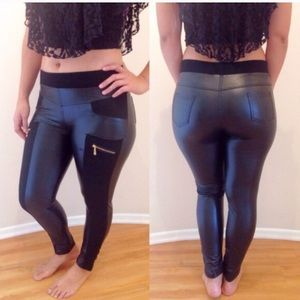 Black leather look zipper leggings size S/M