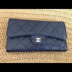 100% Auth Chanel Black wallet!!!