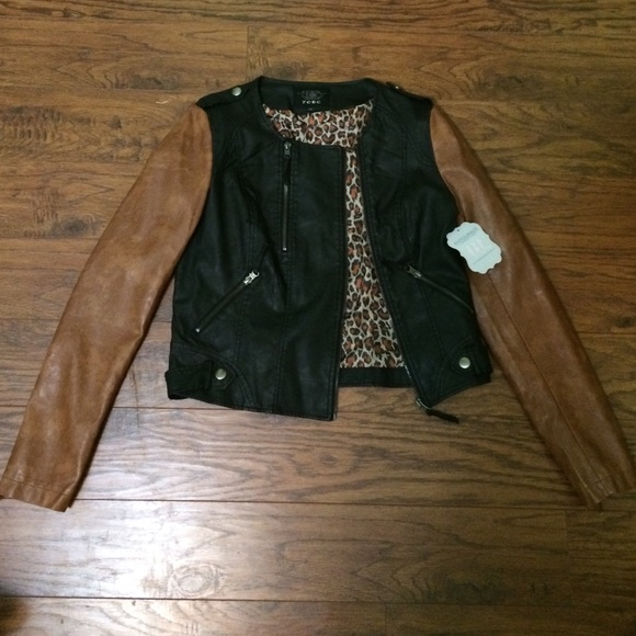 Free shipping and returns on leather & faux-leather coats & jackets for women at archivesnapug.cf Shop the latest styles from brands like BLANKNYC, Bernardo, Halogen & more.