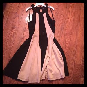 XOXO Dresses & Skirts - Colorblock Open Back Dress