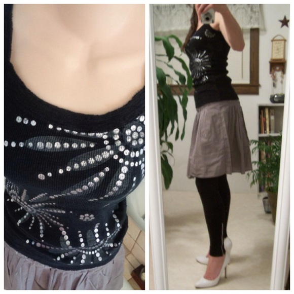 9a49b06d0f4 Banana Republic Dresses   Skirts - SWeeT EdGY Summer Outfit‼️Size 6  Black Silver