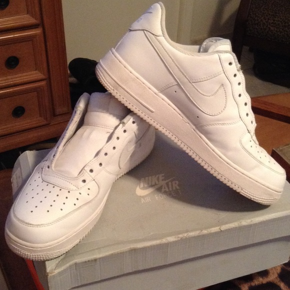Mens white Nike Airforces WITHOUT LACES. M 5505a4c799086a1991008ae0 3f8d2eaf7