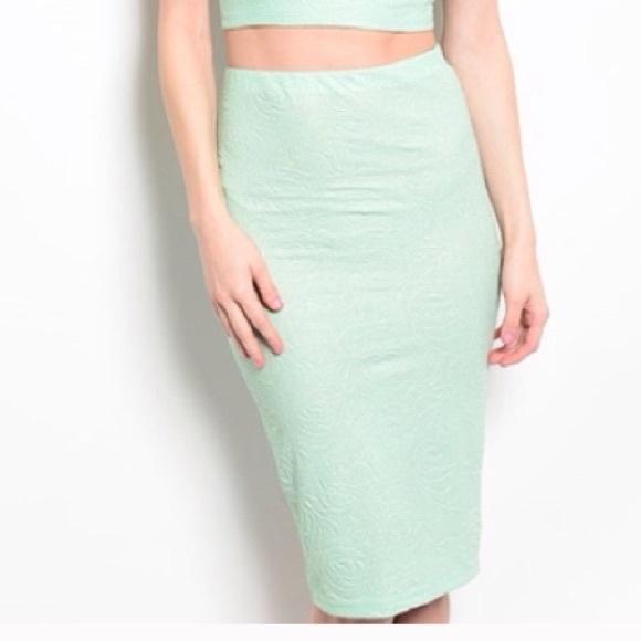 63 dresses skirts mint green pencil skirt nwot