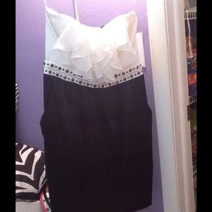 Strapless cocktail/party dress- fits size 2