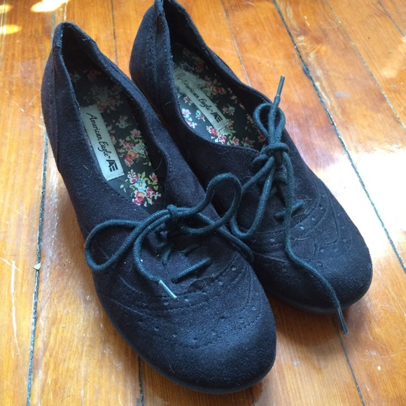 American Eagle Outfitters Shoes - Suede oxford heels
