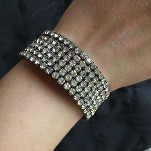 Accessories - Stretchy silver bracelet
