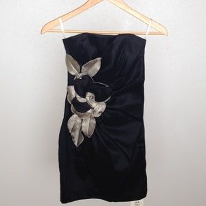 Cache Dresses & Skirts - Strapless Flower Dress