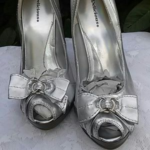 Special White Silver Heels