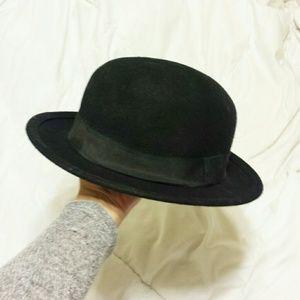 e004451a4 H&M Divided Black Boater Hat