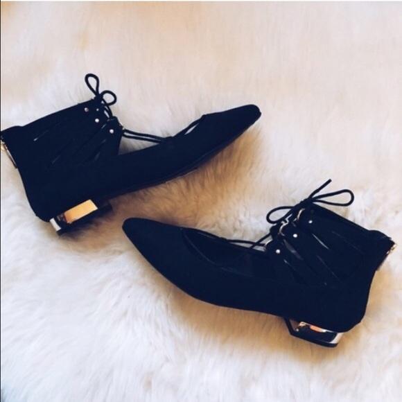 Shoes - Lace up flats