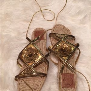 Tory burch 9 gold ankle wrap sandals