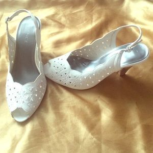 ☀️👗ESSENSE UK white lady lady like 3 inch heel