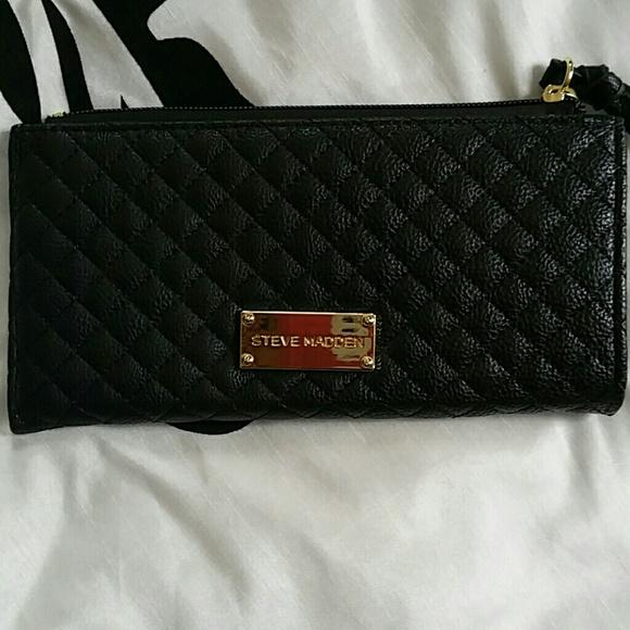 641a9762683a Steve Madden black quilted wallet NWOT. M 5506f0877e7ef6170800d874