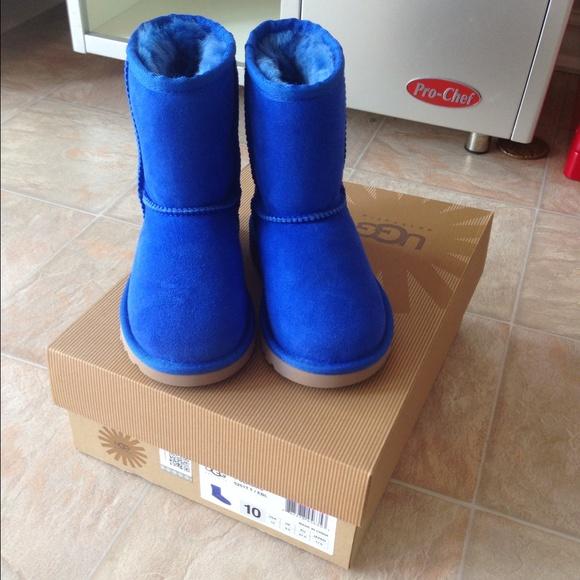 Ugg toddler size 12 electric blue