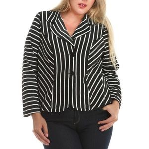 Jackets & Blazers - SALE!🎉Plus size black & white striped knit blazer