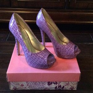 Shoedazzle Shoes - Purple heels