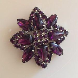 Jewelry - Vintage Purple Stone & Silver Brooch