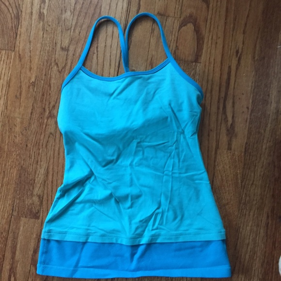 52 off lululemon athletica tops lululemon tank top with for Shirts with built in sports bra