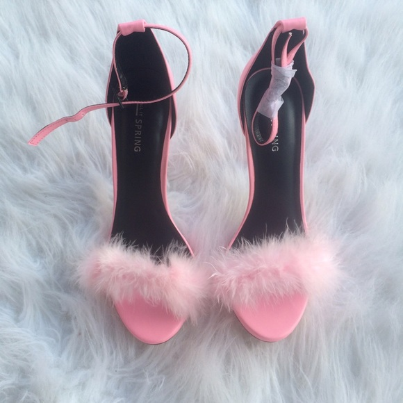 Steve Madden - Faux Fur Pink Fluffy Heel SZ 8 from ! 💕's closet ...