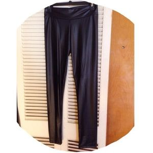 Soprano Pants - ✴️FINAL $✴️ Faux Leather Leggings
