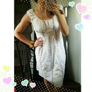 🎈CLEARANCE 🎈$19✂️Beautiful Ivory dress