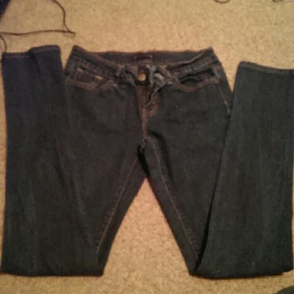 80% off Black crystal Denim - Dark wash skinny jeans. Size 5. from ...