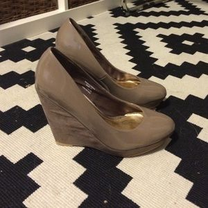 H&M Shoes - Nude wedges
