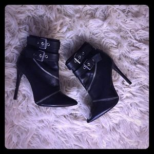 Host PickNew Zara Zipper Black Leather Booties
