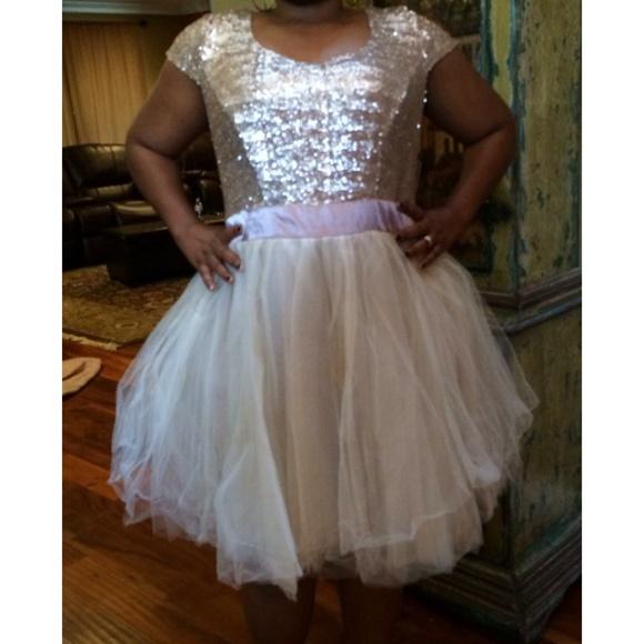 c6370485ee2ef New plus size dress gold tulle Trixxi 2x 20 tutu
