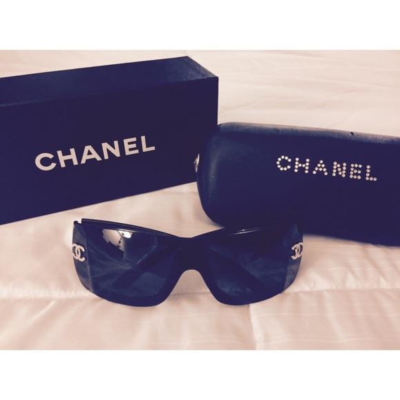 477b8610e17c CHANEL Accessories - Authentic Vintage Chanel® 5088-B Sunglasses