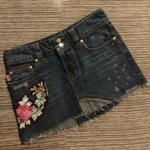 Wax Jeans Floral Embroidered Distressed Mini Skirt