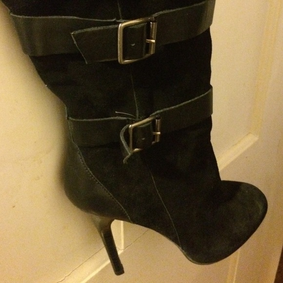 76 bcbg boots bcbg black suede and leather