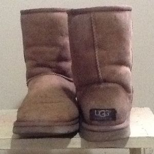 Authentic Chestnut Uggs