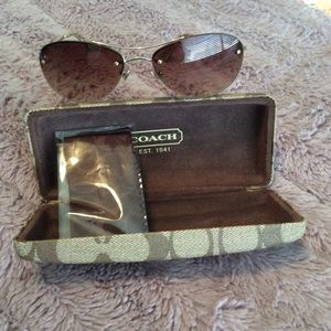 Coach sunnies Preloved only worn 3 times NO LOBALL