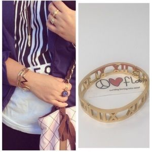 High quality Atlas bangle - gold tone