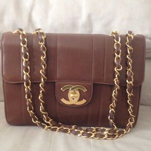 Authentic Chanel Vintage Jumbo Flap Bag ❤️