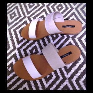 White and faux suede taupe flat sandals