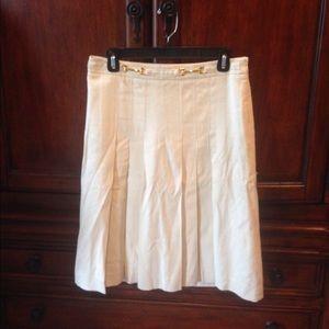 Banana Republic off white skirt