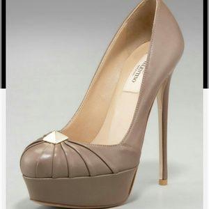 Valentino rockstud pump heel