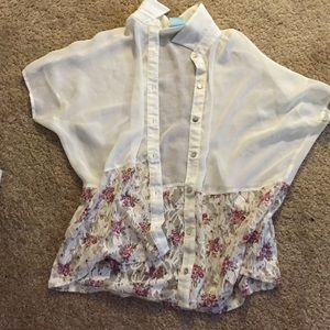 Chiffon blouse with laced florals ends