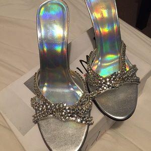 Strap diamond heels