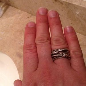 David Yurman size 6 ring. Sterling + diamonds.