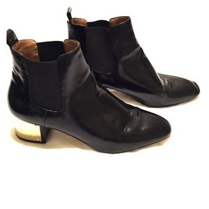 Zara Leather Black bootie with gold heel