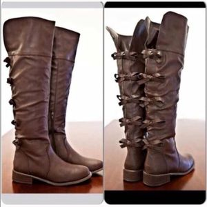 Shoes - Unique brown Bow knee boots