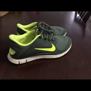 Nike Shoes - NIKE FREE 4.0 V 3 Olive Green And Volt SIZE 8.5